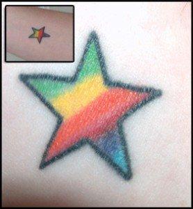 tatuajes-de-estrellas-de-colores-17