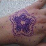 tatuajes-de-estrellas-de-colores-25