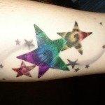 tatuajes-de-estrellas-de-colores-6