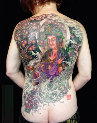 tatuajes-en-la-espalda-para-hombres-15