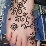 temporary-tattoo-ink-feet-tattoos-toe-ring-tattoos-henna