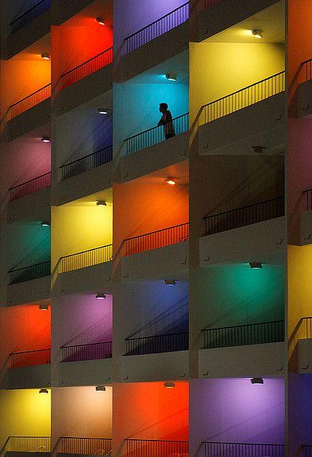 terrazas con lamparas colores