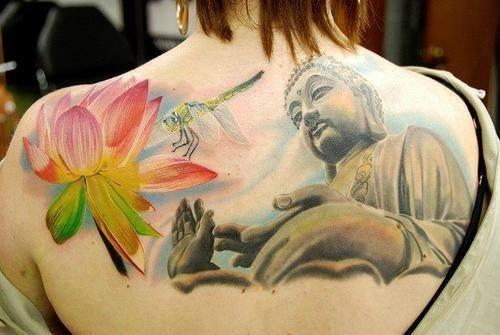 Tatuaje buda y flores