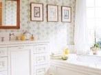 vintage-bathroom-wallpaper